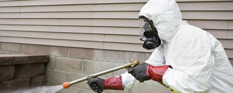 pest control professional in Winnsboro Mills