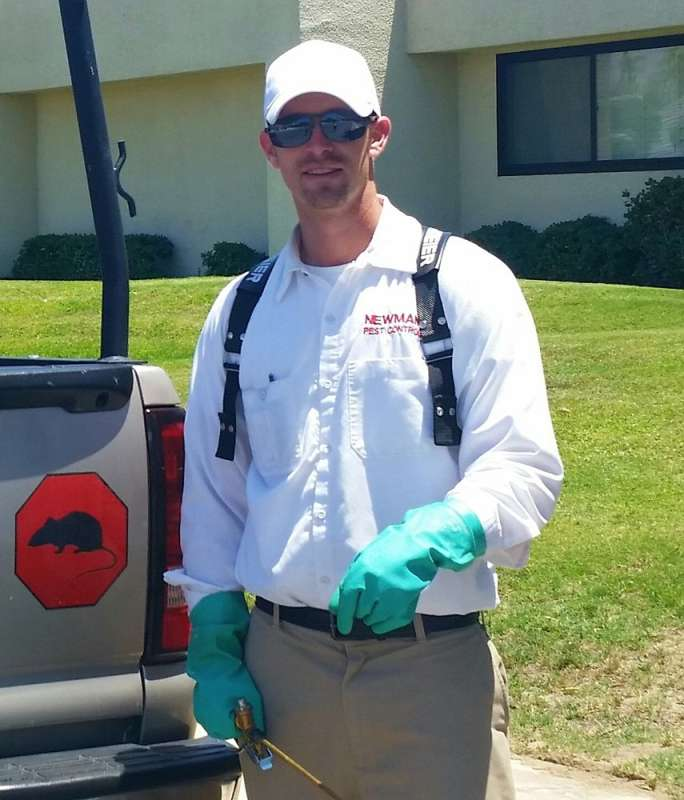 pest control operator in Orange Cove